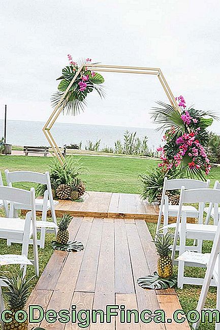 Mariage tropical en plein air
