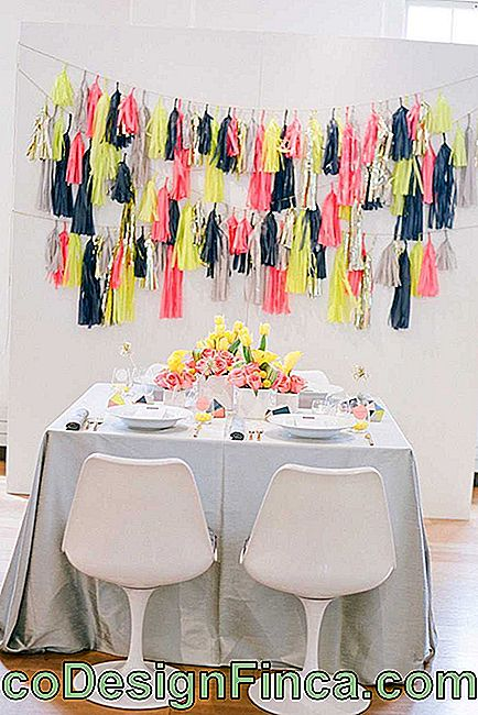 Simple Neon Party Decoration