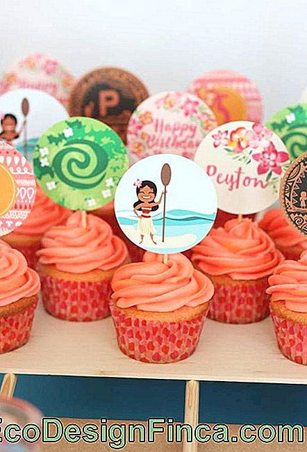 Moana party cupcake decorare