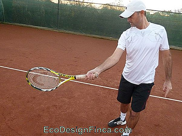 Sportsskader... Tennis Elbow Af Backhand!