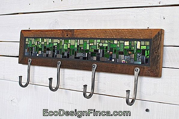 Glas Mosaic Coat Rack