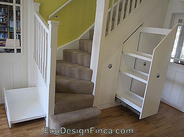 Closet Under The Staircase: 40 Inspirierende Designs + Wichtige Tipps