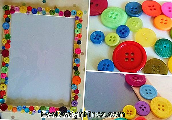 Art With Kids: Button Frame