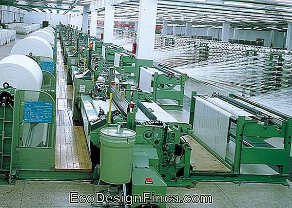 Bougies Factory: Processus De Production En Machine