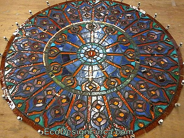 """Window Stained Mandala"", Skirta Kabinti Ant Lango"