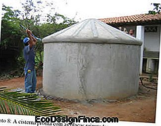 How to make low cost cisterns? The fence cistern!: fence
